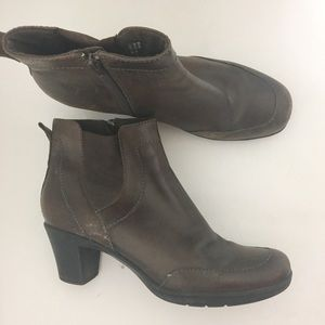 Clark's Brown 10 Ankle Classic Booties Boots